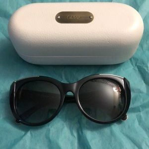 Chloe Oversized Sunglasses. Case included!